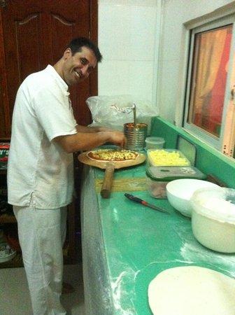 Rico Pizza & Pasta : En direct des coulisses de chez Rico Pizza, découvrez notre chef à l'oeuvre! Bonne dégustation!