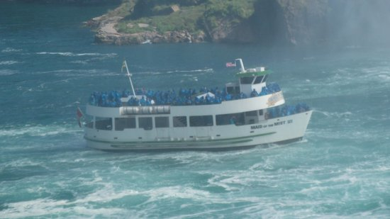 Niagara Falls Marriott Fallsview Hotel & Spa : The Maid in the Mist boat trip under the falls, you must experience this!!!
