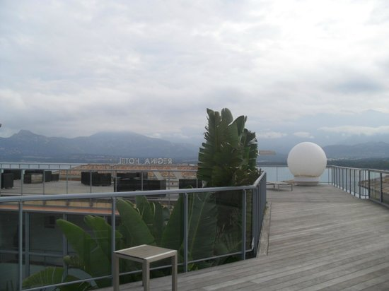 Hotel Mariana: Terrasse piscine