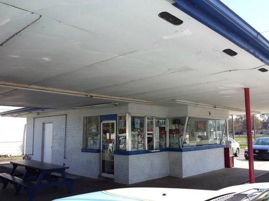 Powell's Dairy Freeze: Restaurant