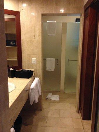 The Westin Golf Resort & Spa, Playa Conchal - An All-Inclusive Resort: Hotel Bathroom.