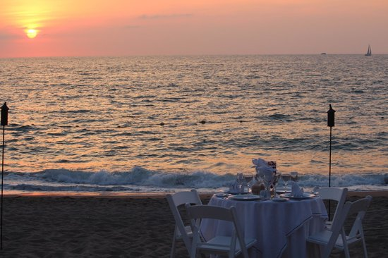 Now Amber Puerto Vallarta: Dinning by the sea