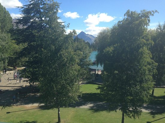 Novotel Queenstown Lakeside: view of lake Wakatipu from room 449 ( summer time)