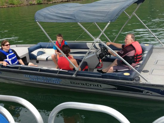 Clearwater Lake Resort: Tubeing and swimming