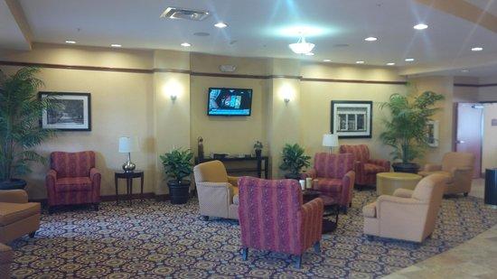 Comfort Suites Urbana Champaign, University Area: lobby