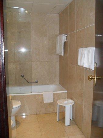 Hotel Atlantis : Salle de bains