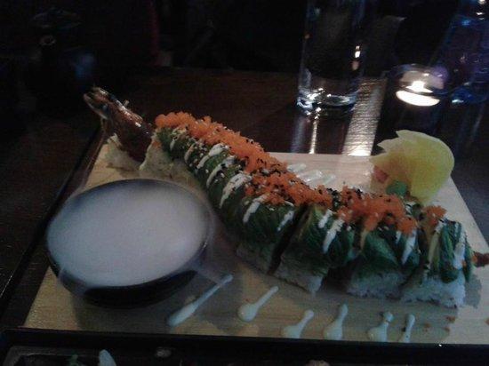 Banyi Japanese Dining: Dragon Roll- California Prawn Roll