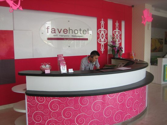 Rdeception Picture Of Favehotel Mt Haryono Balikpapan Tripadvisor