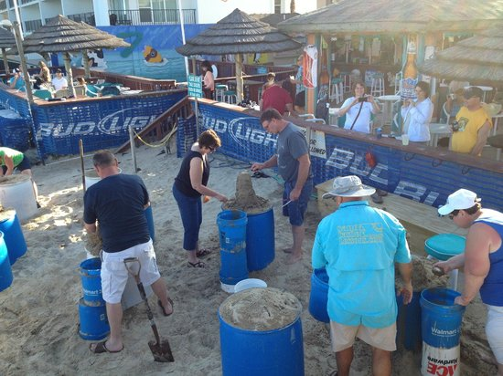 Sandcastle Lessons : A little family bonding and friendly competion