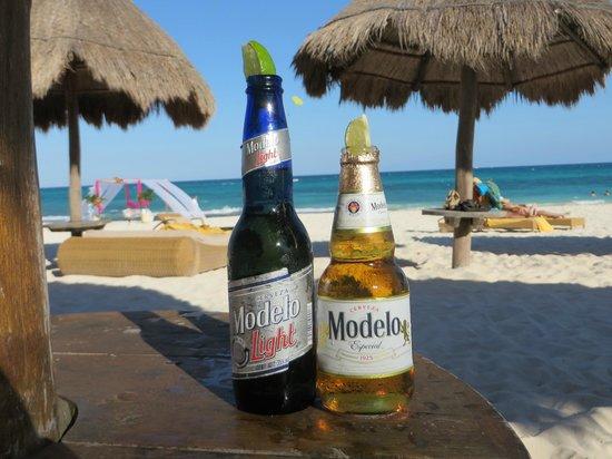 Iberostar Grand Hotel Paraiso: Refreshments on the beach.