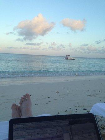 Grand Cayman Marriott Beach Resort: my office for the week