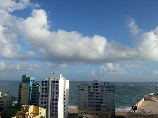 BEST WESTERN PLUS Condado Palm Inn & Suites: Oceanview from 12th FL Suite