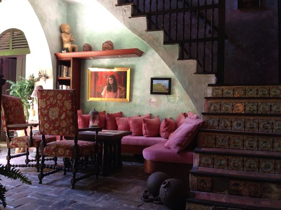 The Gallery Inn: Sexy staircase