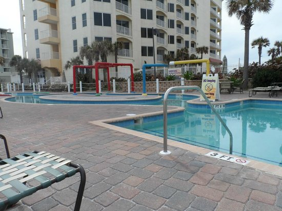 The Cove on Ormond Beach: pool not heated