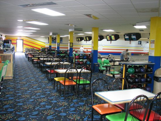 Warpath Bowling Lanes: Concourse
