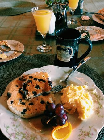 Rosehaven Inn Bed and Breakfast: Breakfast