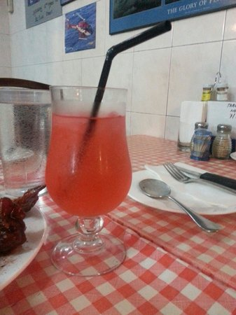 Jerry's BBQ and Grill: Shirley temple