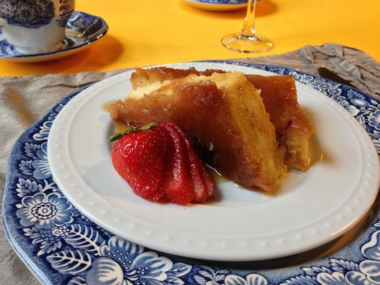 The Old Mill Inn : Creme Brulee French Toast