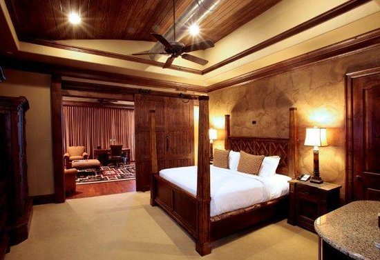 Rough Creek Lodge: Most comfortable beds!