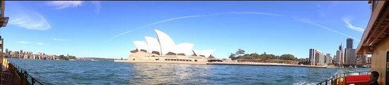 Sydney Ferries: View of the Sydney Opera House