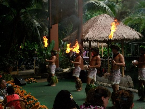 Polynesian Cultural Center: entertainment during the dinner