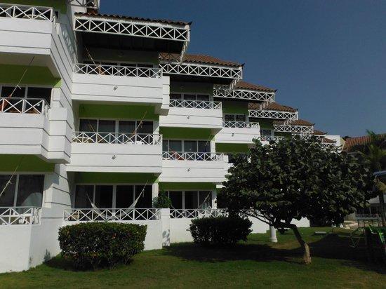 Hotel Las Américas Casa de Playa: Balcons avec hamacs pour certains