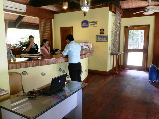 Best Western Boracay Tropics Resort: Lobby