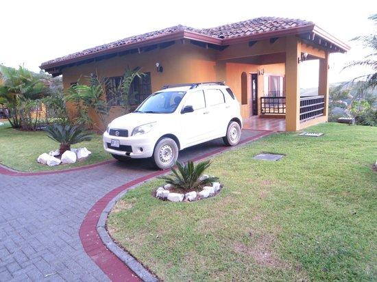 Hotel Borinquen Mountain Resort : Car at Cabana