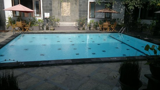 The Radiant Hotel and Spa & Airy : Pool