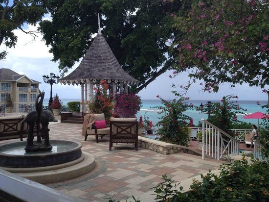 Sandals Royal Plantation: Smaller Resort, but so many great areas to sit, relax & enjoy