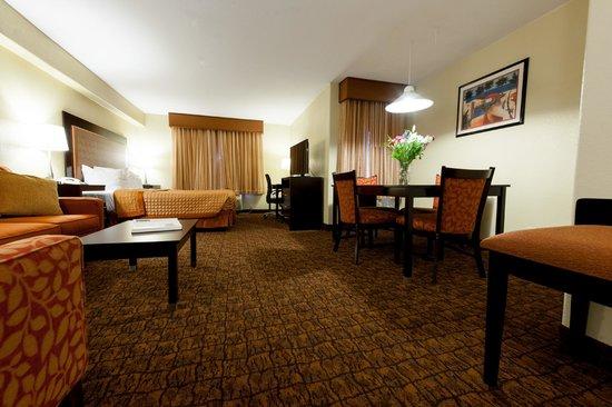 Best Western Escondido Hotel: Mini-Suite