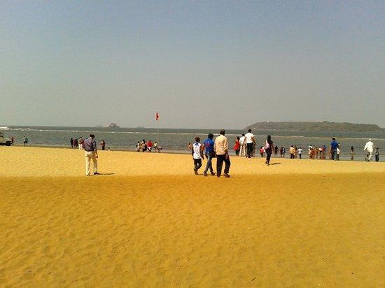 Miramar Beach: beach scene and sea level scene