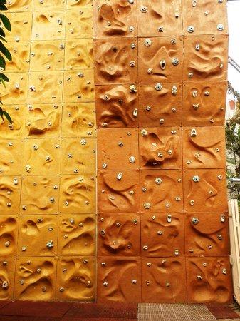 Patio Pacific Boracay: wall climbing