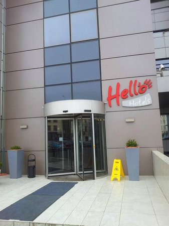 Hello Hotel : Front