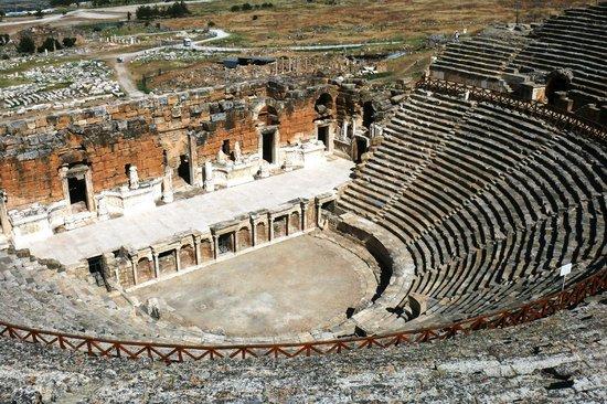 Hierapolis & Pamukkale: Античный театр в Иераполисе