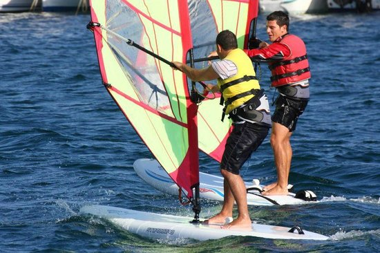 ‪‪Forca 3 Sailing Club Panama‬: Clase de windsurf con Jacob‬