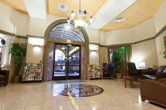 BEST WESTERN Escondido Hotel : Lobby