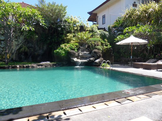 Adi Dharma Cottages: Pool