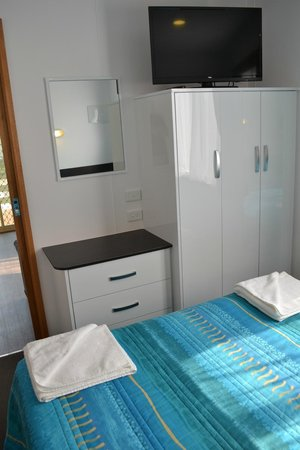 Chelsea Holiday Park: Tourist Villa Bedroom