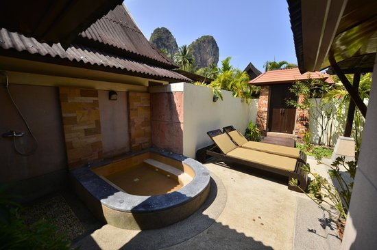 Railay Bay Resort & Spa : Дворик