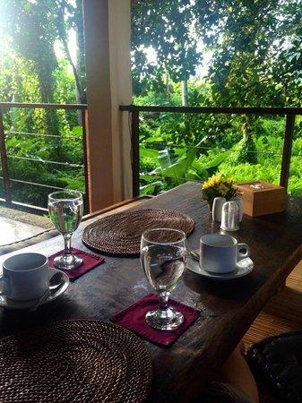 Junjungan Ubud Hotel and Spa : レストラン