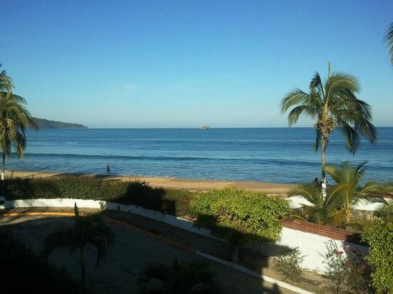 Villa Corona del Mar : Balcony view of public beach from La Selva room