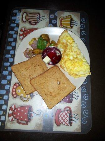 Peak Point Hotel: breakfast of ur choice