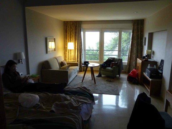 Parador de Cordoba : room