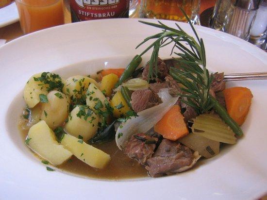 Restaurant Goldenes Dachl: блюдо