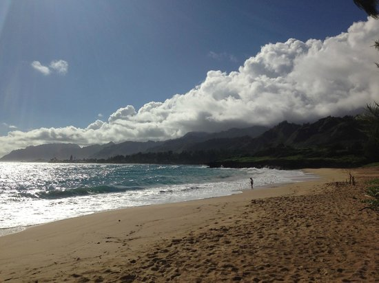 Hale 'Nalo Beach Rentals: On the way to Laie (North Shore) - 30 minutes up the road