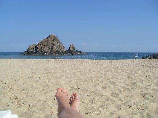 Sandy Beach Hotel & Resort : территория отеля