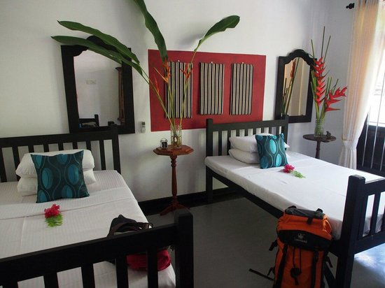 Indika's House & Tours: Comfy and clean room! :)