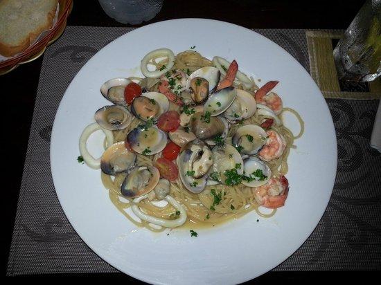 Patong Bay Guesthouse: il cibo buonissimo del ristorante