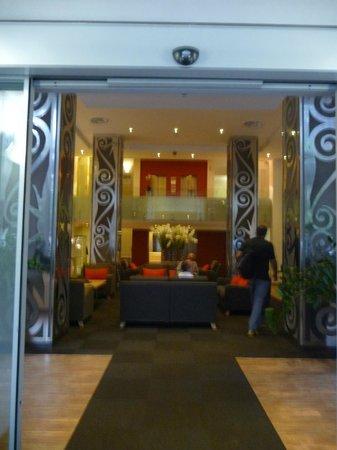 Mamaison Hotel Andrassy Budapest: Hall d'entrée